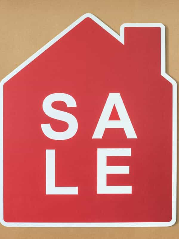 red sale sign